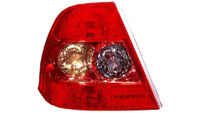 Piloto Trasero Izquierdo Toyota Corolla Sedan 4p año 2004 a 2007